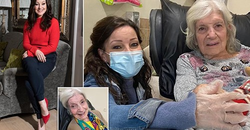 Ruthie Henshall's visit to her Mum Gloria – Kathryn Knight – Daily Mail on Line